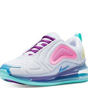 Women's Nike Air Max 720 Size 6.5